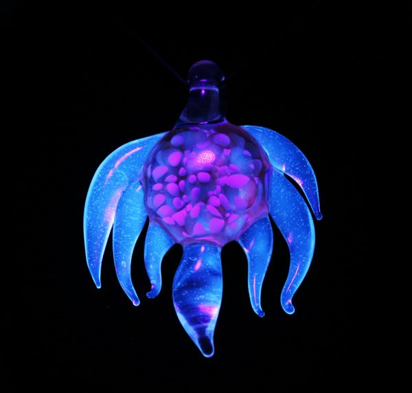 B Hold Glass UV Pendant