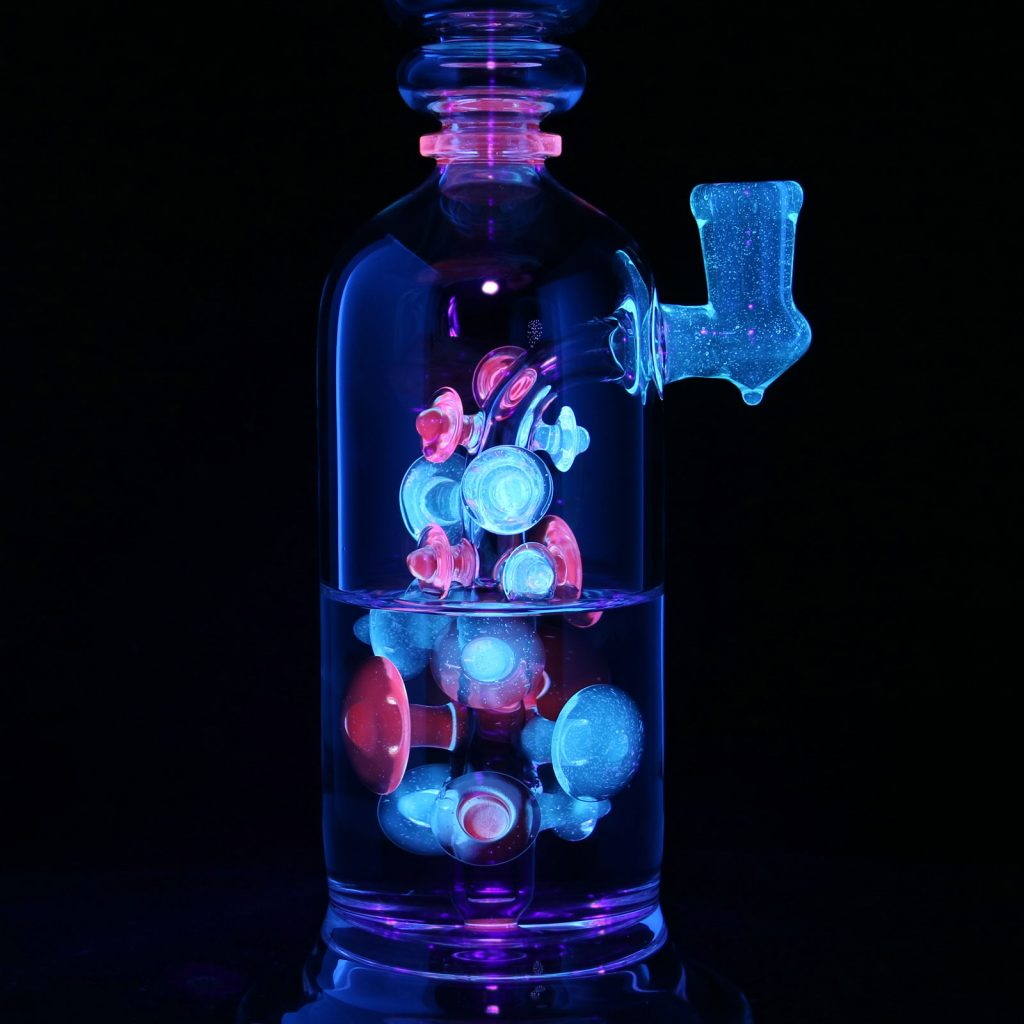 American Glass Art - Philpot X Suuze UV Razormaria Collab