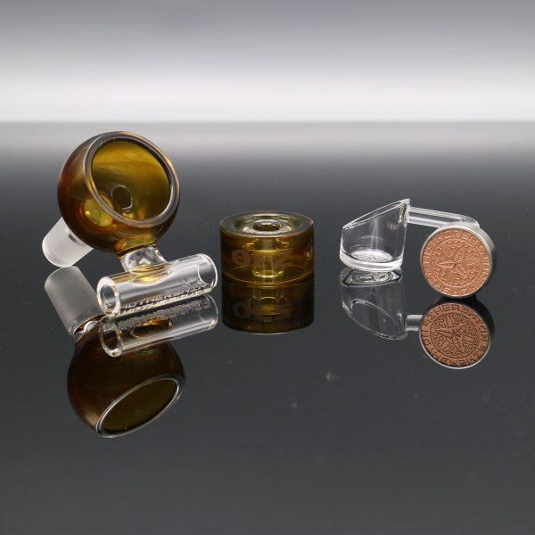 mothership-glass-brown-megapot-4